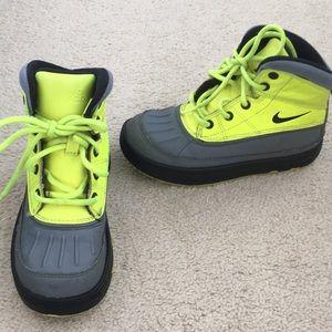 Boys Nike Boots Nikebetterworld ACG size 12